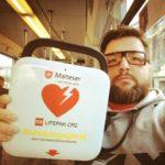 Defibrillator 08