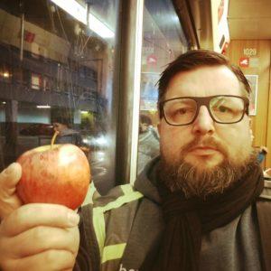 Apple 02