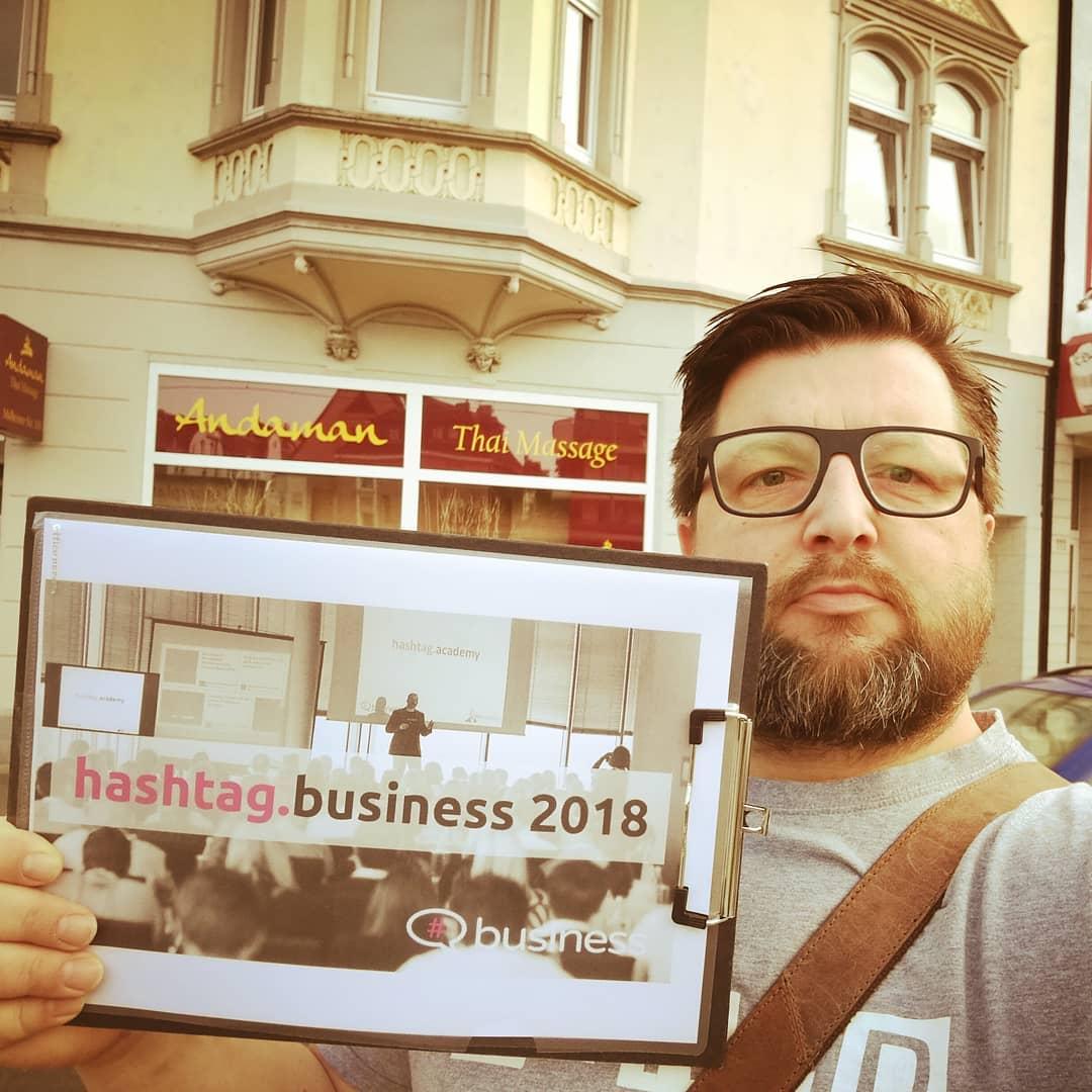 Hashtag Business 01